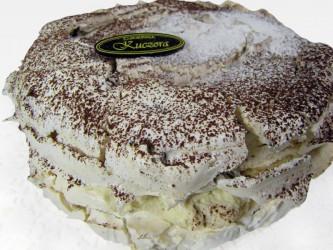 Tort bezowo daktylowy