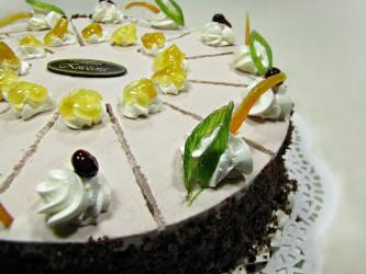 Tort z brzoskiwniami